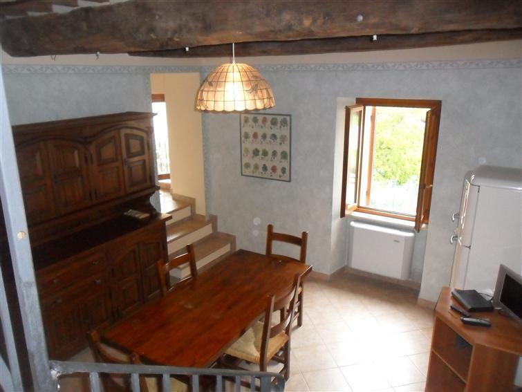 Appartamento indipendente in Loc. Capodacqua, Foligno