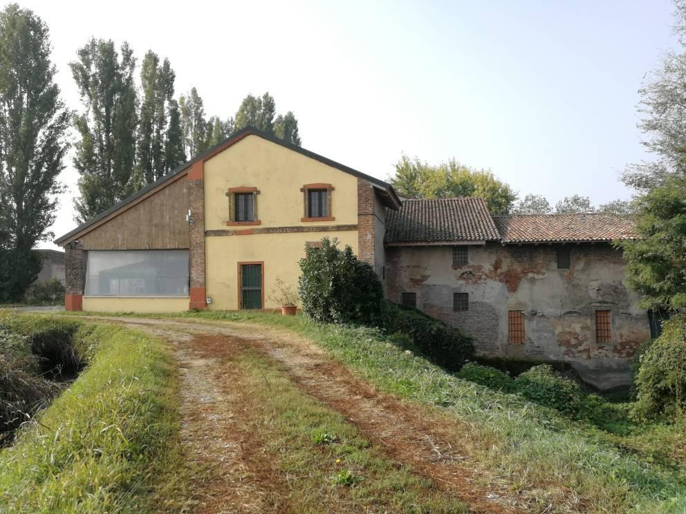 Rustico-casale Vendita Castiglione D'Adda