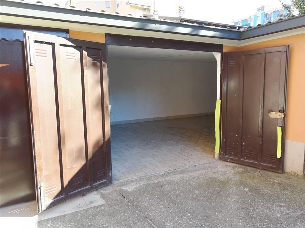 garage-Box-posto auto  in Vendita a Lodi