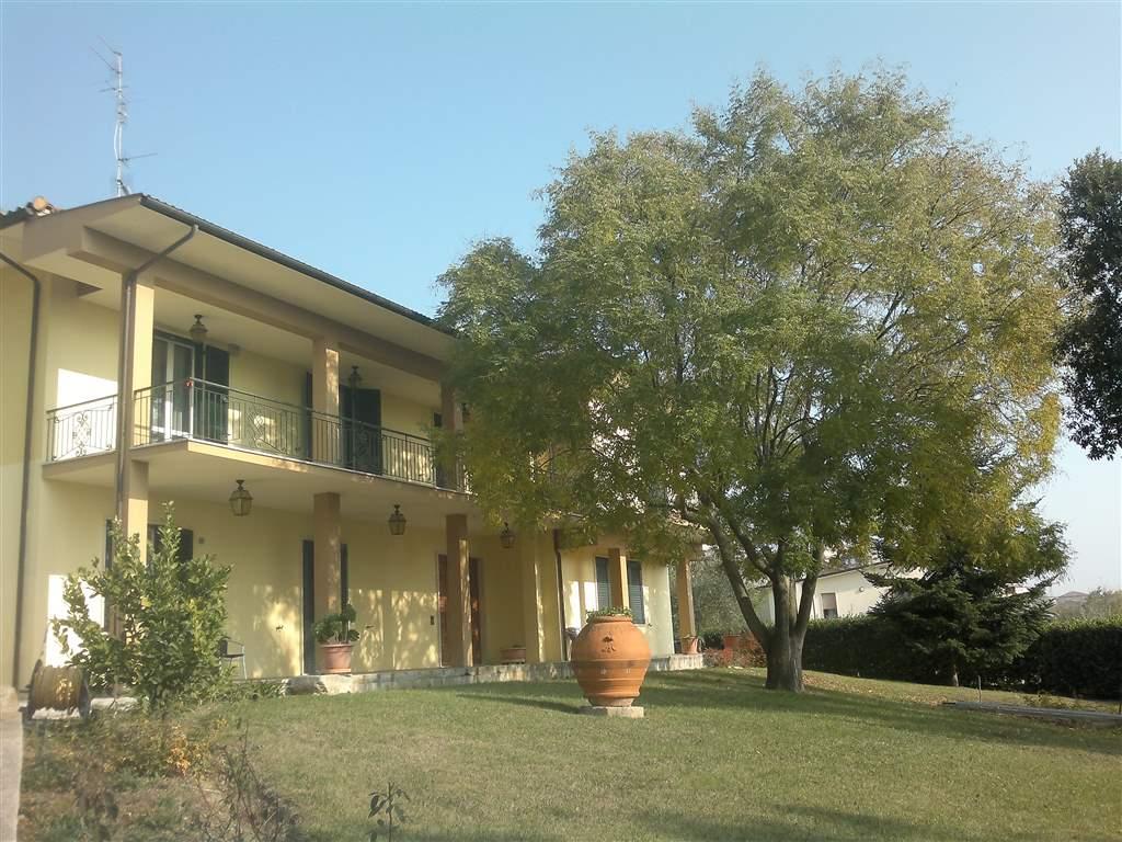 Villa, Camerano, ristrutturata