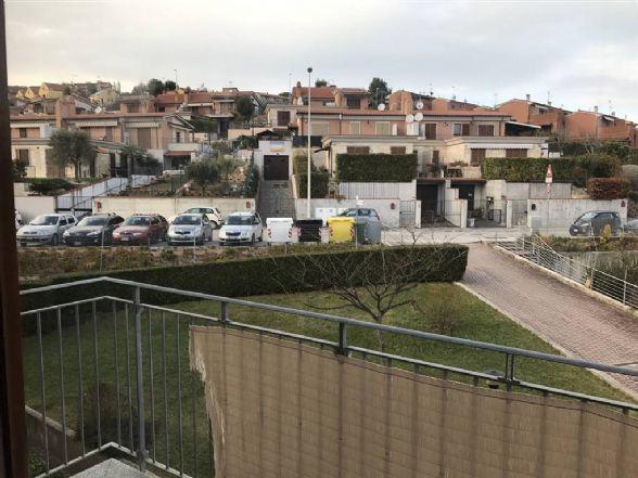 Trilocale, Passo Varano, Ancona, in ottime condizioni
