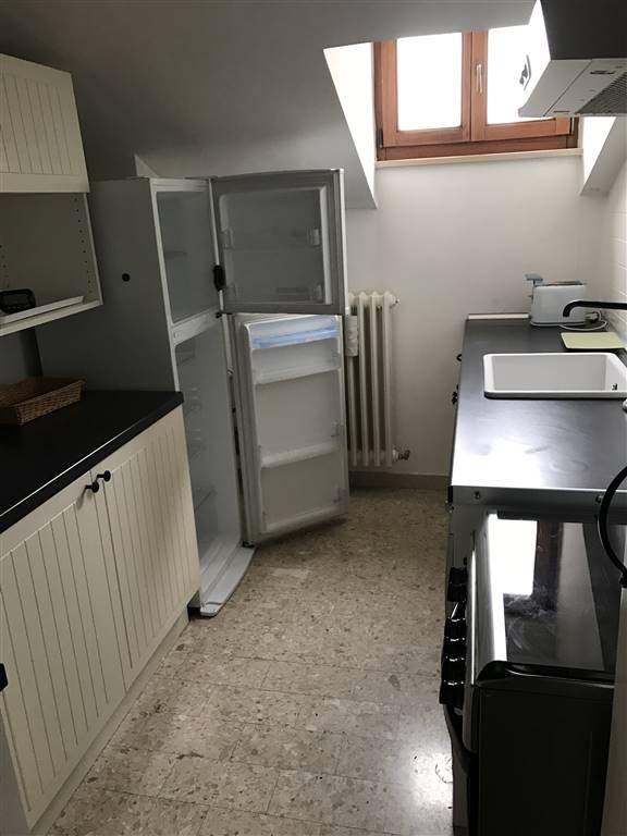 Trilocale in Corso Amendola  40/10, Q. Adriatico, Ancona