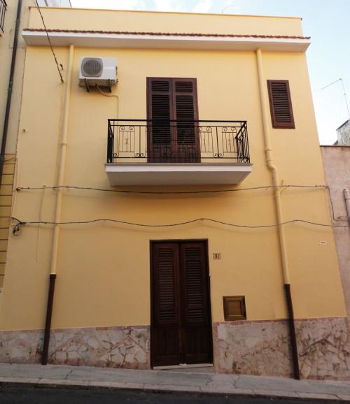 Appartamento in vendita a Balestrate, 4 locali, prezzo € 79.000 | Cambio Casa.it