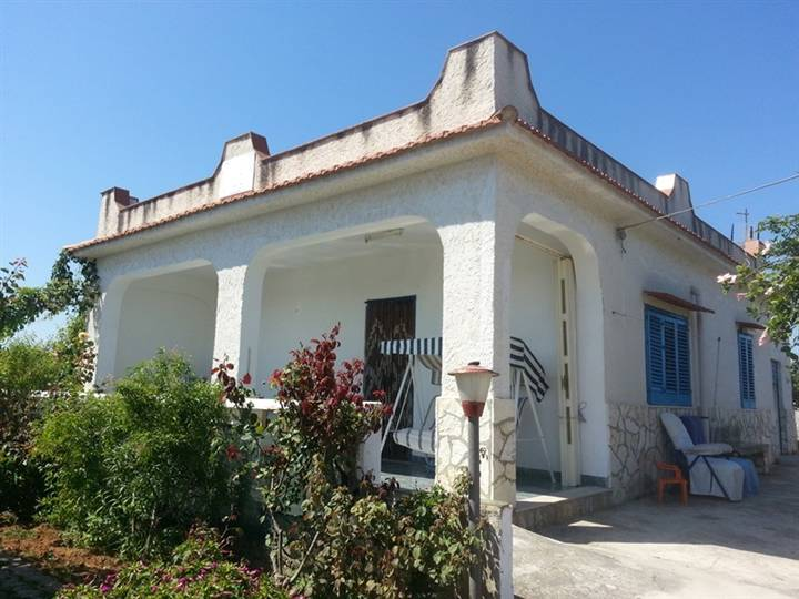 Villa in vendita a Balestrate, 4 locali, prezzo € 95.000 | CambioCasa.it