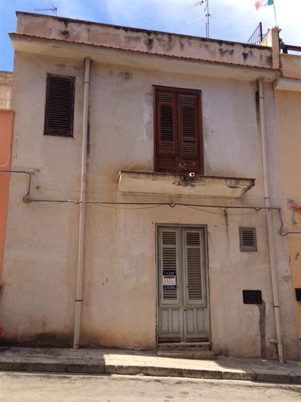 Appartamento in vendita a Balestrate, 4 locali, prezzo € 45.000 | Cambio Casa.it