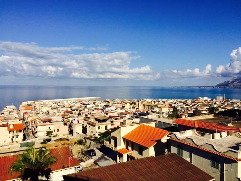 Appartamento in vendita a Balestrate, 4 locali, zona Località: BALESTRATE, prezzo € 120.000 | Cambio Casa.it