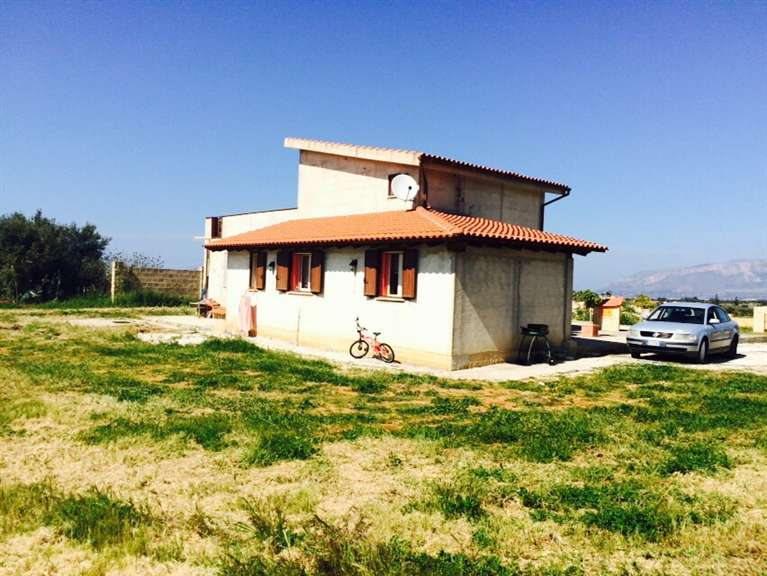 Villa in vendita a Balestrate, 5 locali, prezzo € 230.000 | CambioCasa.it