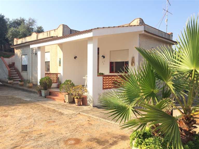 Villa in vendita a Balestrate, 4 locali, prezzo € 125.000 | CambioCasa.it