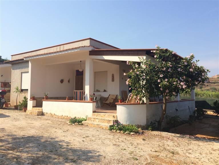 Villa in vendita a Balestrate, 3 locali, prezzo € 105.000 | Cambio Casa.it