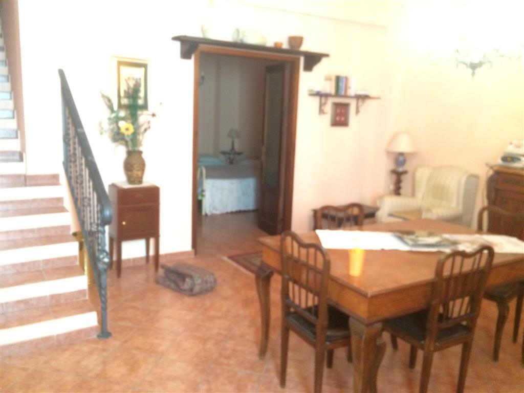 Palazzo / Stabile in vendita a Balestrate, 6 locali, prezzo € 135.000 | Cambio Casa.it