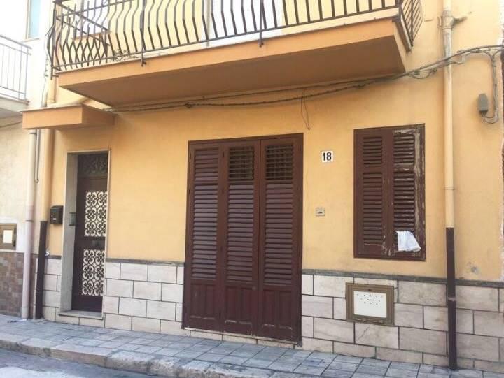 Appartamento in vendita a Balestrate, 3 locali, prezzo € 35.000 | Cambio Casa.it