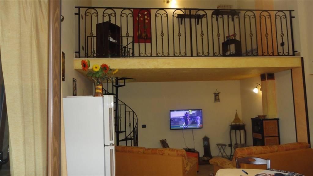Appartamento in vendita a Montelepre, 5 locali, prezzo € 159.000 | Cambio Casa.it