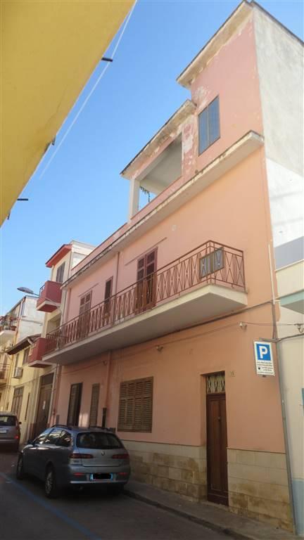 Palazzo / Stabile in vendita a Balestrate, 6 locali, prezzo € 150.000 | Cambio Casa.it