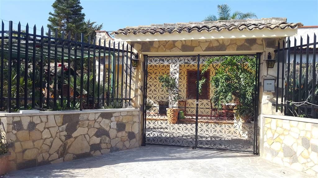 Villa in Vendita a Terrasini