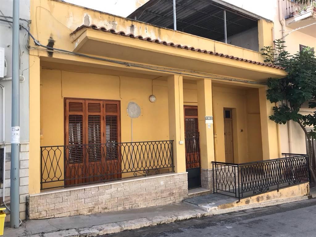 Soluzione Indipendente in vendita a Balestrate, 3 locali, prezzo € 105.000 | CambioCasa.it