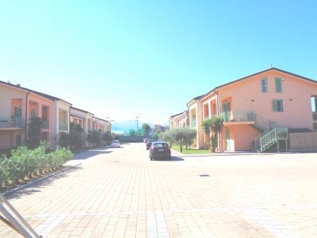Appartamento in vendita a Lucca, 4 locali, zona Zona: SS. Annunziata, prezzo € 200.000   Cambio Casa.it