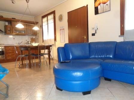Appartamento in vendita a Porcari, 3 locali, zona Località: PORCARI, prezzo € 125.000 | Cambio Casa.it