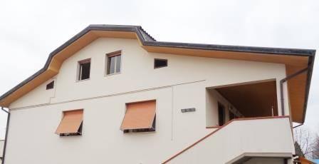 Appartamento in affitto a Capannori, 4 locali, zona Località: SEGROMIGNO IN MONTE, prezzo € 550 | Cambio Casa.it