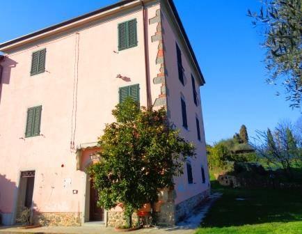 Soluzione Indipendente in vendita a Capannori, 10 locali, zona Zona: Gragnano, prezzo € 230.000 | Cambio Casa.it