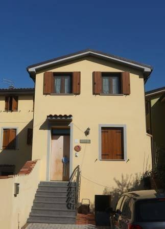 Soluzione Indipendente in affitto a Capannori, 2 locali, zona Località: SEGROMIGNO IN PIANO, prezzo € 550 | CambioCasa.it