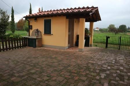 Soluzione Indipendente in affitto a Capannori, 3 locali, zona Zona: Lammari , prezzo € 600 | CambioCasa.it