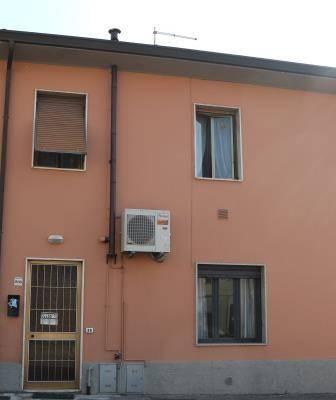 Appartamento in affitto a Capannori, 2 locali, zona Località: SEGROMIGNO IN MONTE, prezzo € 400 | CambioCasa.it