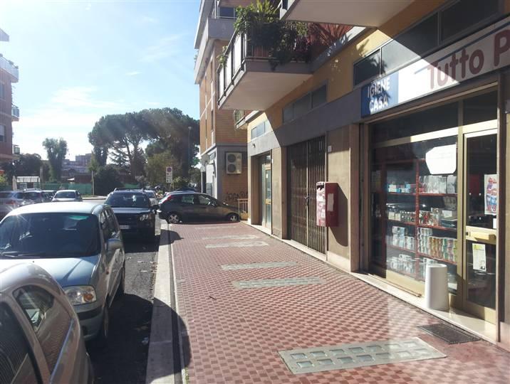 Negozio / Locale in affitto a Latina, 9999 locali, zona Località: LATINA EST, prezzo € 800 | CambioCasa.it