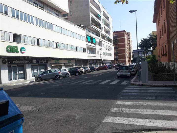 Magazzino in affitto a Latina, 9999 locali, zona Zona: Centro storico, prezzo € 2.000 | Cambio Casa.it