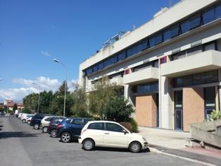Ufficio, Latina