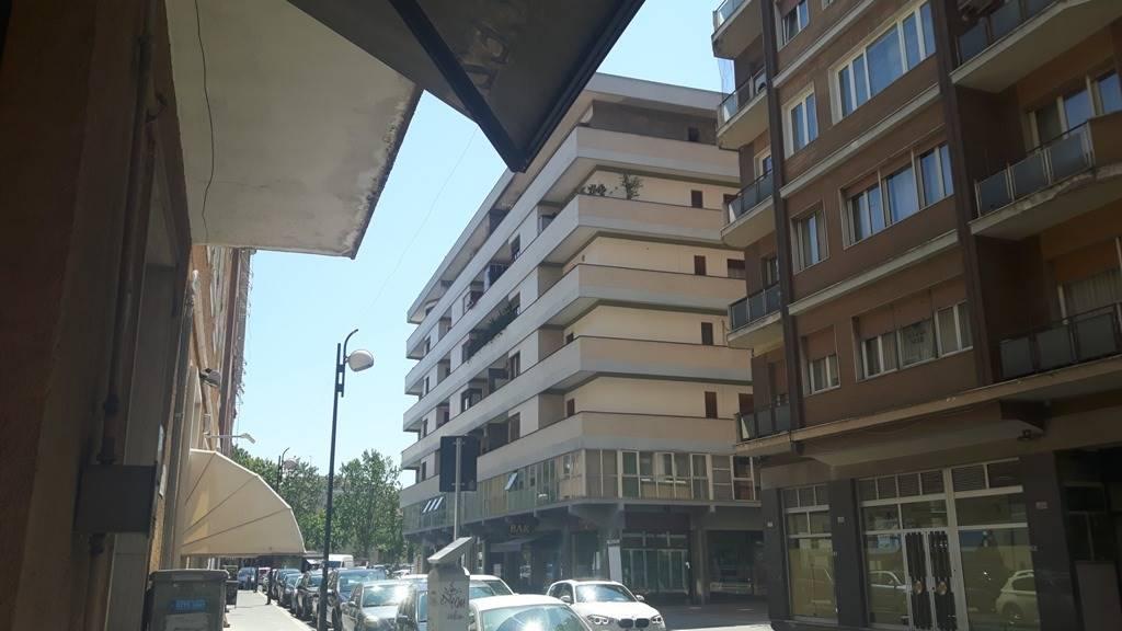 Appartamento in affitto a Latina, 6 locali, zona Zona: Centro storico, prezzo € 320 | CambioCasa.it