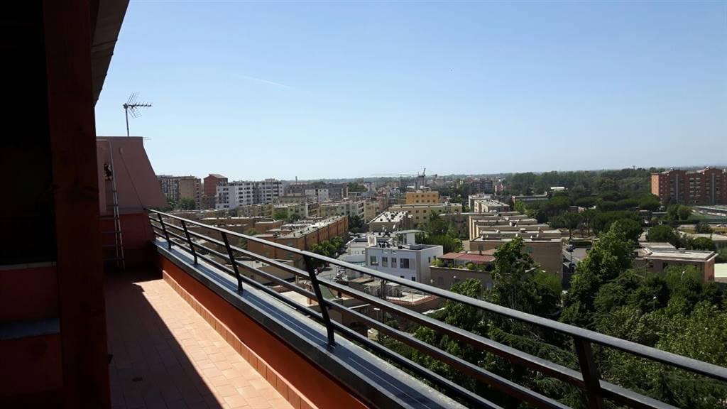 Appartamento in affitto a Latina, 5 locali, zona Zona: Centro storico, prezzo € 750 | CambioCasa.it