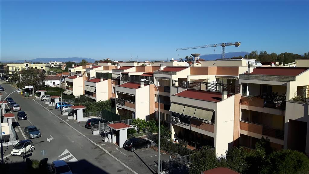 Appartamento in affitto a Latina, 3 locali, zona Zona: Borgo Sabotino, prezzo € 450 | CambioCasa.it