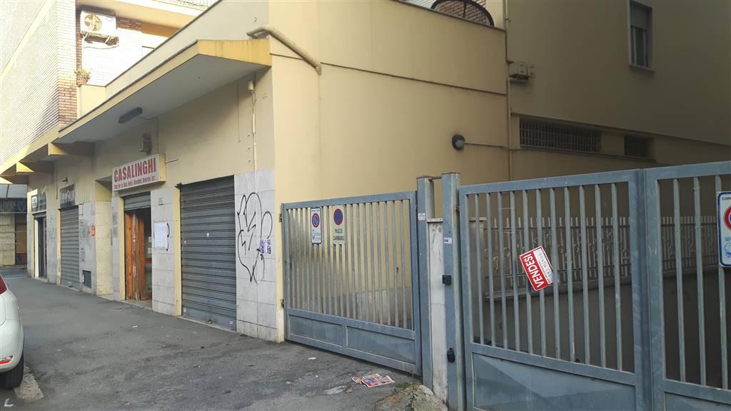 Negozio / Locale in affitto a Latina, 1 locali, zona Località: TRIBUNALE, prezzo € 700 | CambioCasa.it