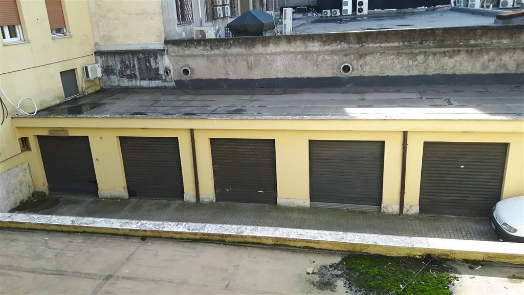 magazzino-deposito  in Affitto a Latina