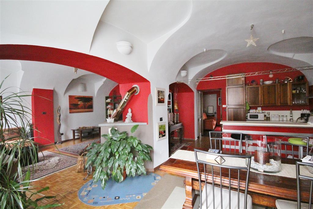 Appartamento in vendita a Mondovì, 6 locali, zona Località: BREO, prezzo € 190.000 | Cambio Casa.it