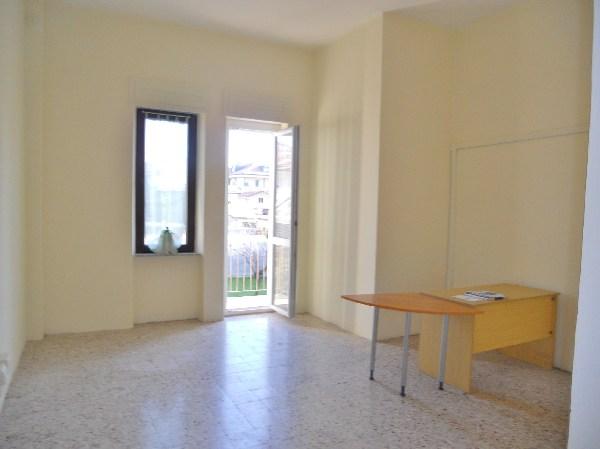 Negozio / Locale in affitto a Mondovì, 3 locali, zona Località: TIRO A SEGNO, prezzo € 550 | Cambio Casa.it