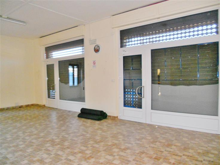 Negozio / Locale in affitto a Mondovì, 3 locali, zona Località: TIRO A SEGNO, prezzo € 600 | Cambio Casa.it