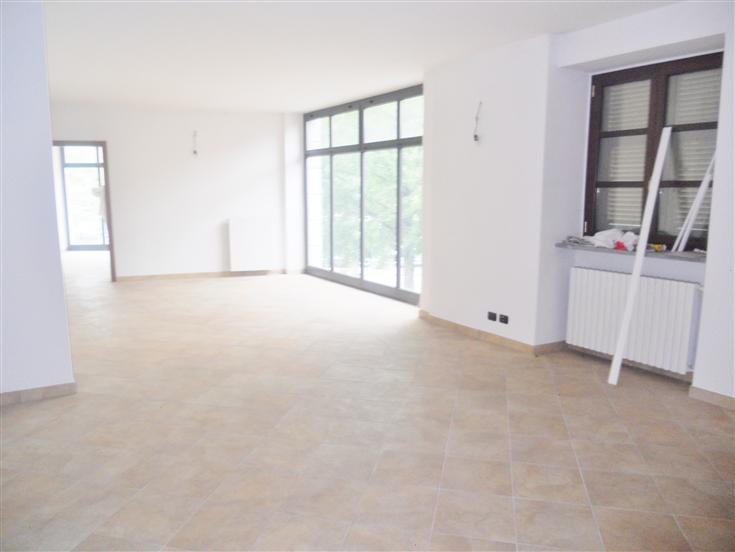 Attività / Licenza in affitto a Mondovì, 4 locali, zona Località: BREO, prezzo € 1.200 | Cambio Casa.it