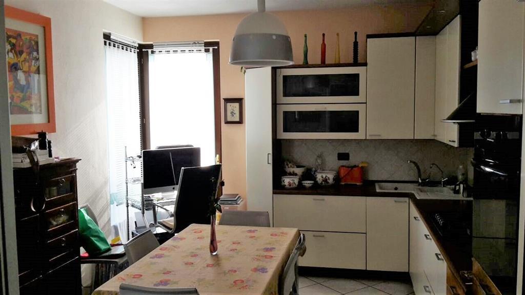Appartamento in vendita a Cuneo, 5 locali, zona Zona: San Rocco Castagnaretta, prezzo € 290.000 | Cambio Casa.it
