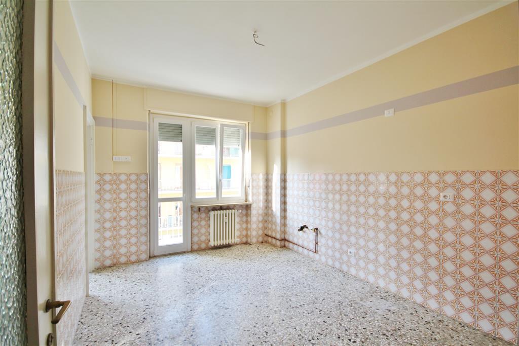 Appartamento in vendita a Mondovì, 4 locali, prezzo € 105.000 | Cambio Casa.it