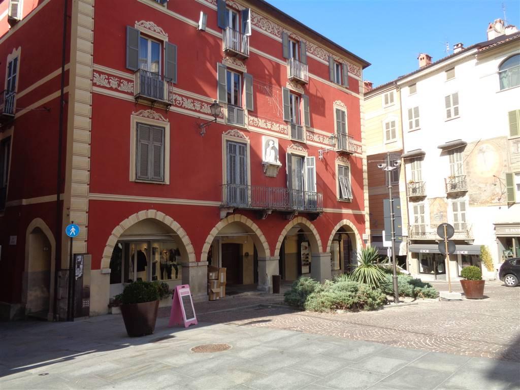 Negozio / Locale in affitto a Mondovì, 5 locali, zona Località: BREO, prezzo € 1.500 | Cambio Casa.it