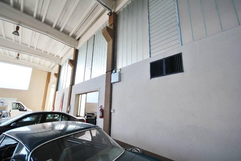 Immobile Commerciale in affitto a Beinette, 1 locali, prezzo € 750 | Cambio Casa.it