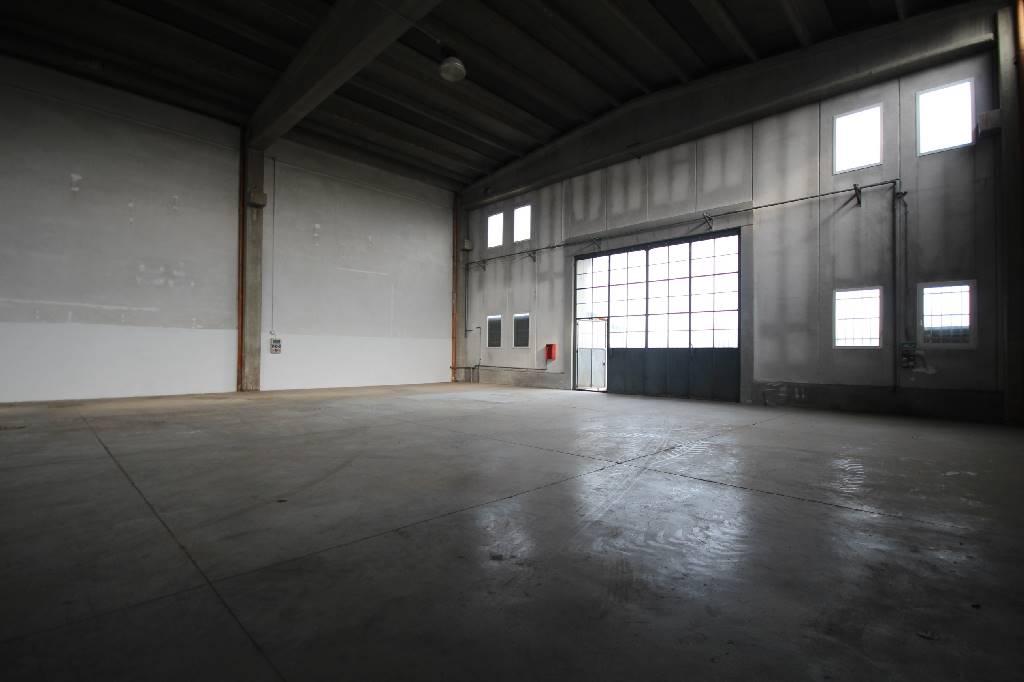 Capannone in affitto a Mondovì, 1 locali, zona Località: ALTIPIANO, prezzo € 650 | Cambio Casa.it