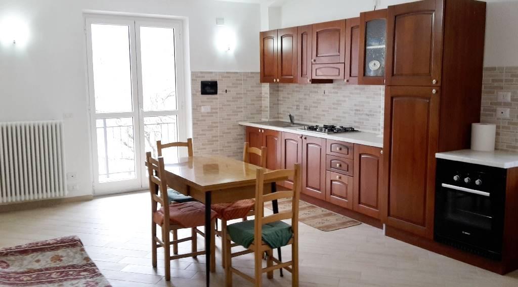Soluzione Indipendente in affitto a Monastero di Vasco, 4 locali, zona Località: ROAPIANA, prezzo € 450 | Cambio Casa.it