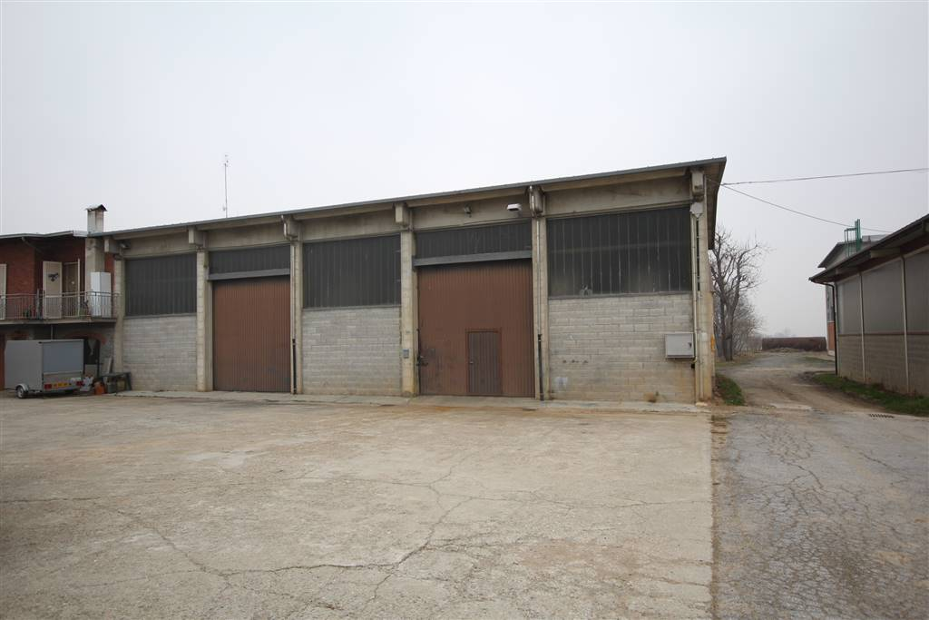 Capannone in affitto a Boves, 1 locali, zona Zona: San Mauro, prezzo € 680 | Cambio Casa.it
