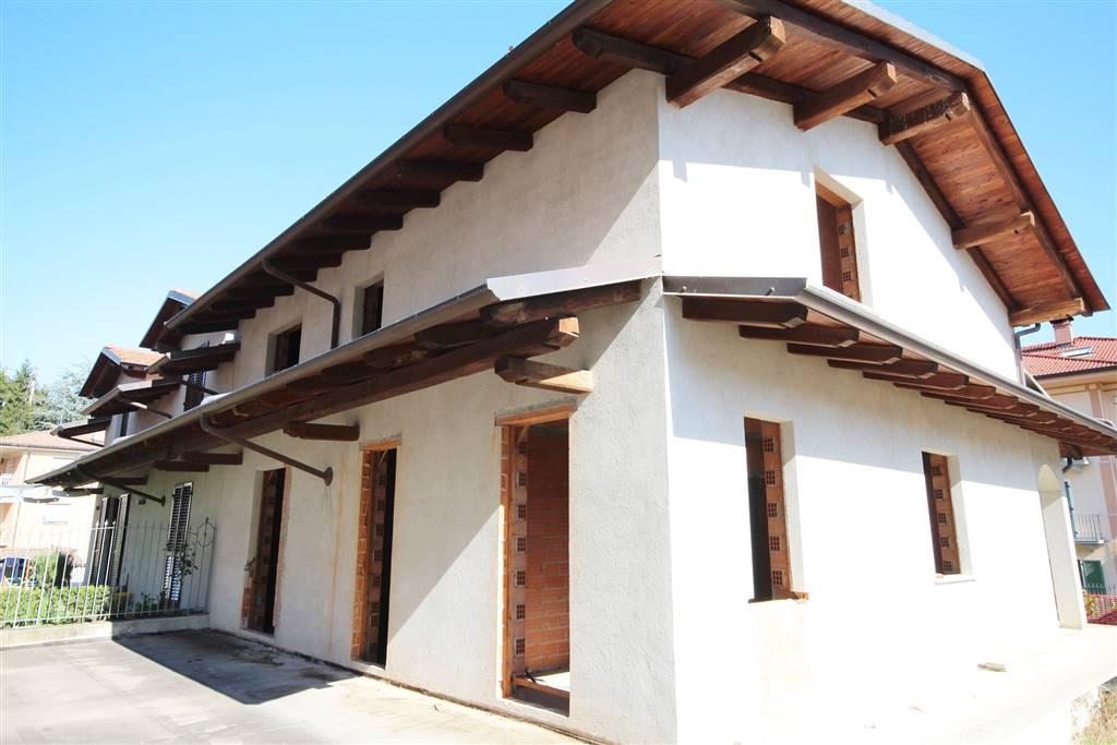 Villa Bifamiliare in vendita a Boves, 8 locali, prezzo € 259.000 | Cambio Casa.it