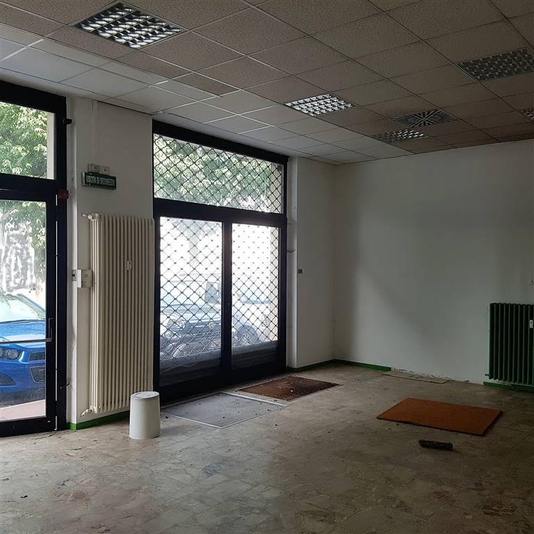 Attività commerciale Bilocale in Affitto a Cuneo