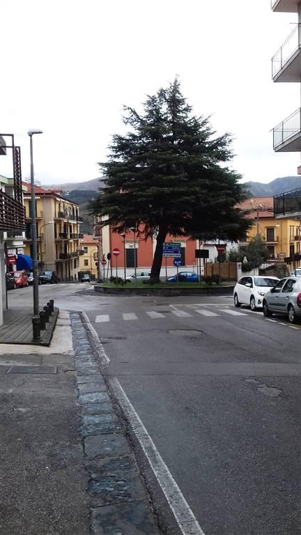 Negozio a Cava De' Tirreni