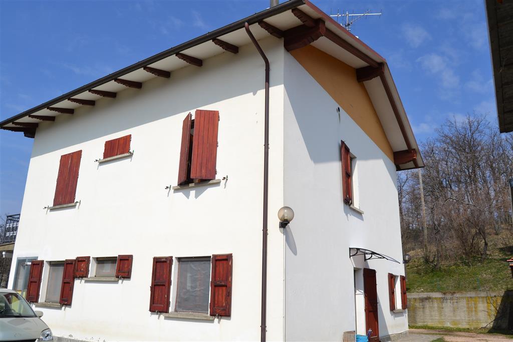 Case grizzana morandi compro casa grizzana morandi in for Officina garage indipendente