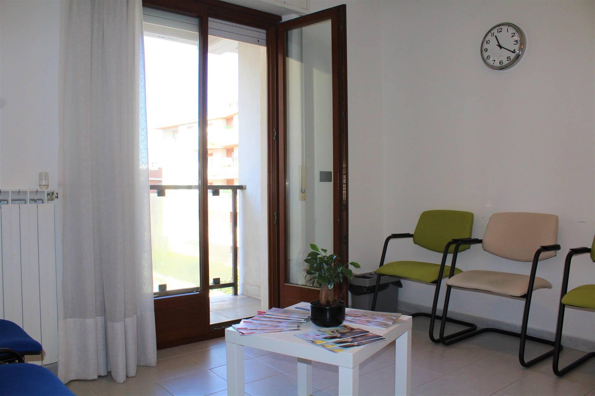 affitto stanza ufficio via garbini